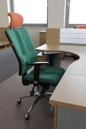 Krzesło ergonomiczne Galaxy w biurze